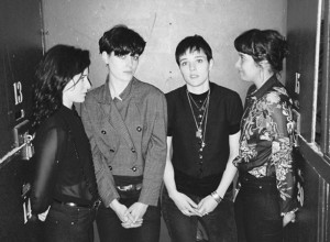 Savages y Little Comets